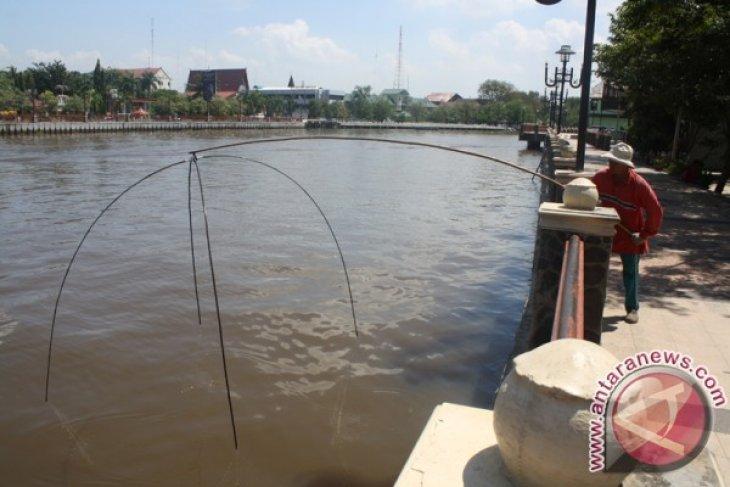 Sea Water Intrudes 60 Kilometers of South Kalimantan Mainland