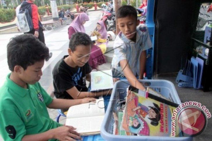 Disdik Bogor Instruksikan Guru Periksa Buku Pelajaran