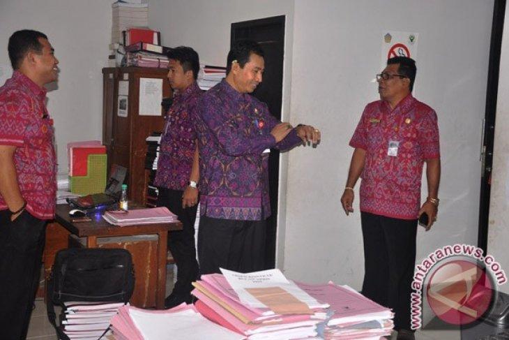 Penjabat Bupati Tabanan Kritik Disiplin PNS