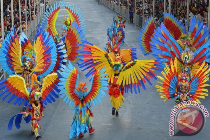 Anak-anak difabel memukau di Jember Fashion Carnaval Kids