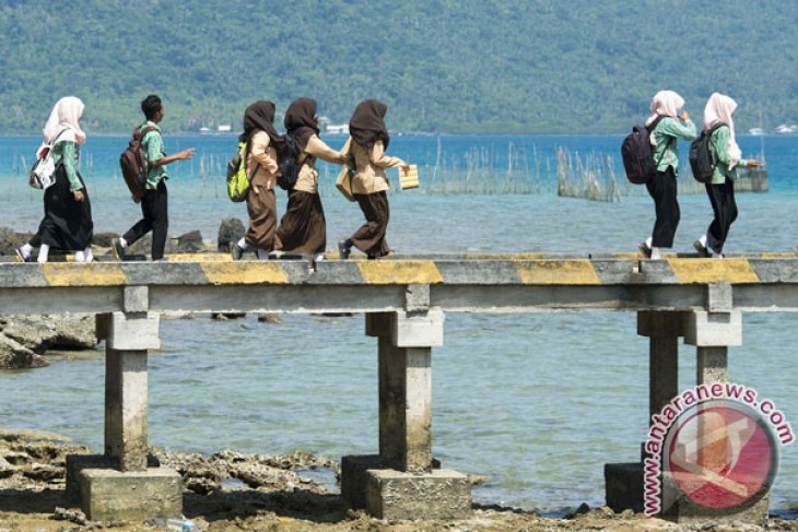 Bupati Purwakarta imbau pelajar budayakan jalan kaki