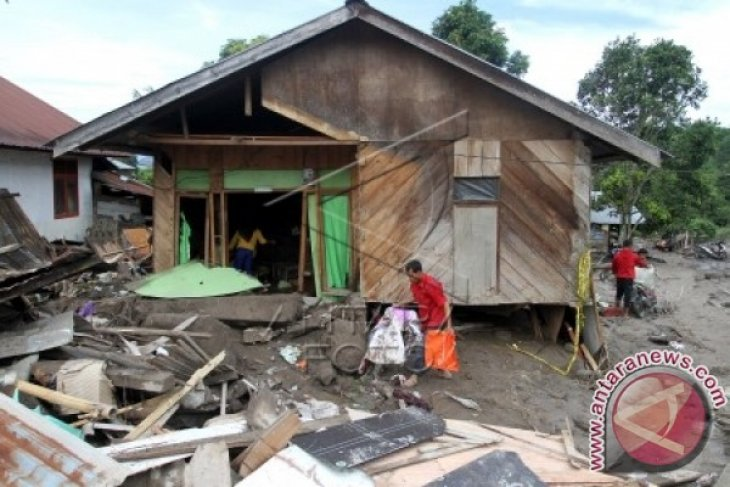 Enam Rumah Aceh Barat Hancur Diterjang Banjir