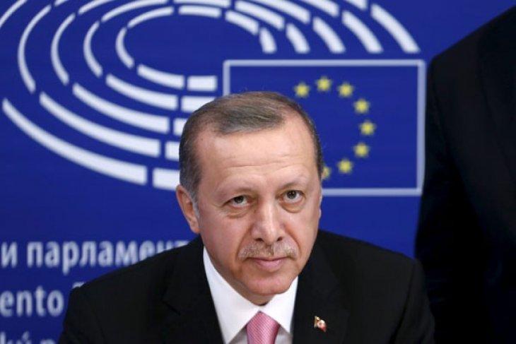 Erdogan desak Putin ubah pikiran soal pengeboman Suriah