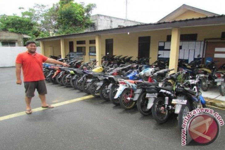 Polres Labuhanbatu Amankan Puluhan Sepeda Motor