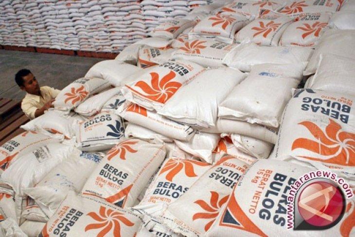 persediaan beras cadangan bulog cianjur 2.600 ton