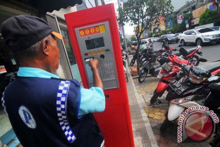 Dewan transportasi minta parkir meter Bekasi transparan