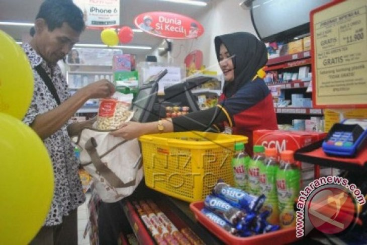 Aprindo Hentikan Program Kantong Plastik Berbayar, Ada Apa?