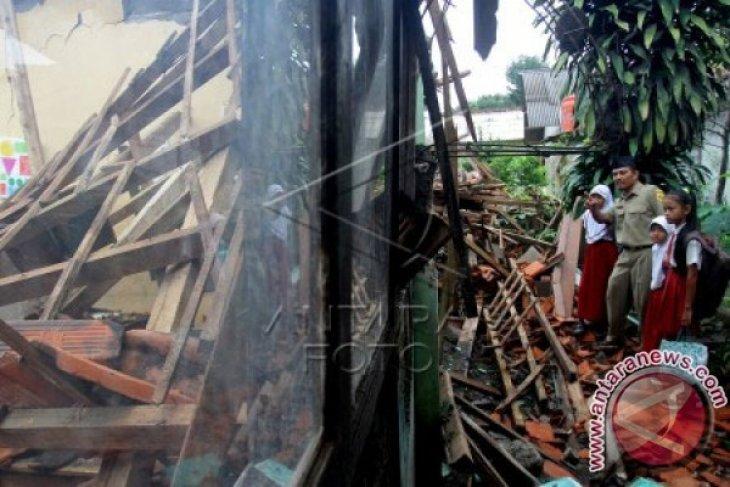 Wabup Karawang akui masih banyak sekolah rusak