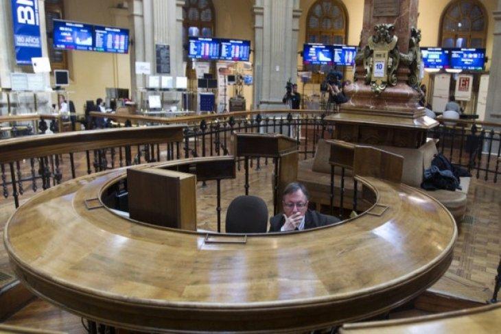 Bursa Spanyol anjlok 77,6 poin