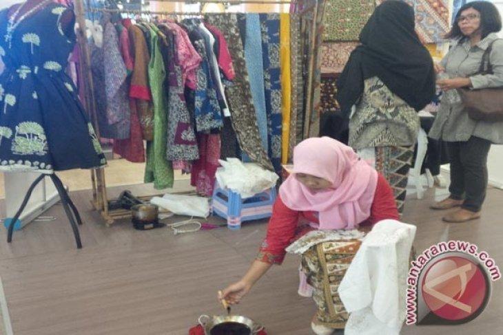 Mal Turut Promosikan Batik Khas Bekasi