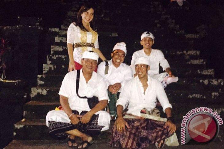 Ramada Encore Bali Seminyak MelakukanTirta Yatra ke Pura Besakih