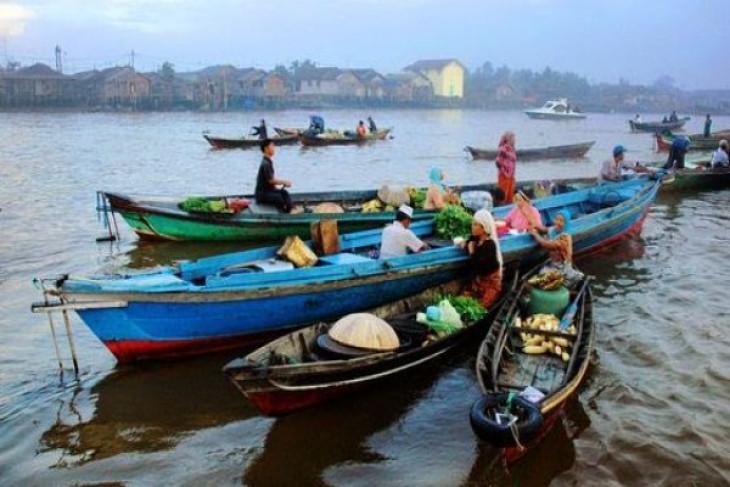 Banjarmasin`s rivers as drivers of urban development