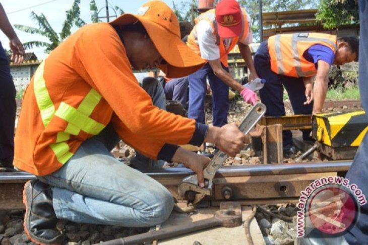 Pemerintah Segera Bangun Rel Ganda Jalur Kedungbanteng-Madiun-Jombang