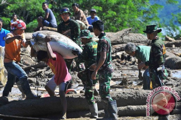 Desa Sintuvu Sulawesi Tengah dilanda banjir