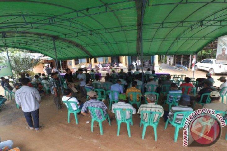 Kejari Ketapang Sosialisasi Hukum ke Petani Sawit