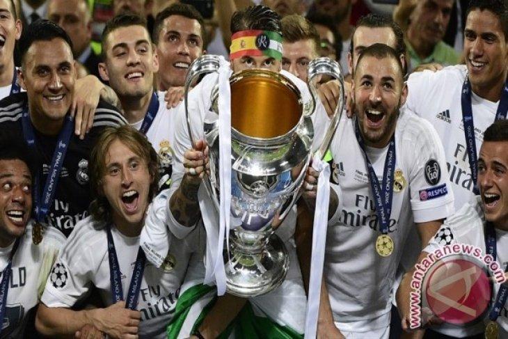 Real Madrid resmi memecat Santiago Solari, ada apa?