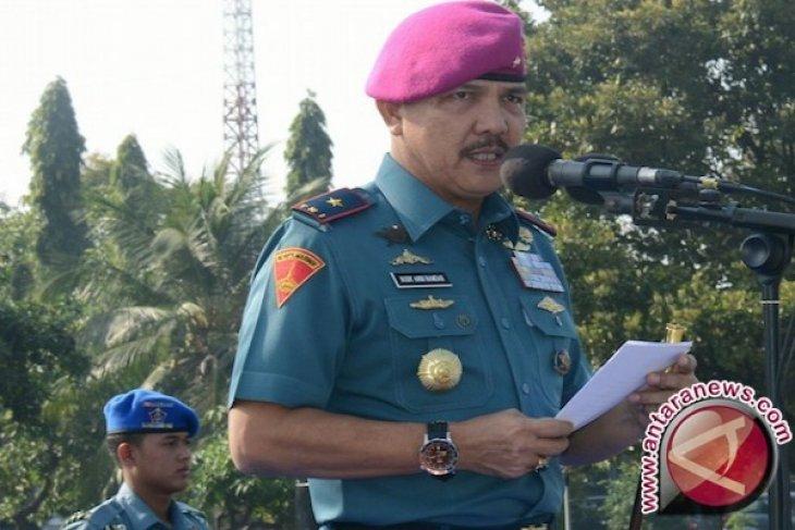 Komandan Pangkalan Utama TNI AL V/Surabaya lepas mudik gratis anggota