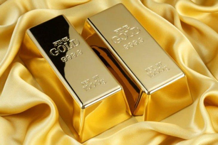Emas lebih tinggi di tengah gejolak ketidakpastian Brexit