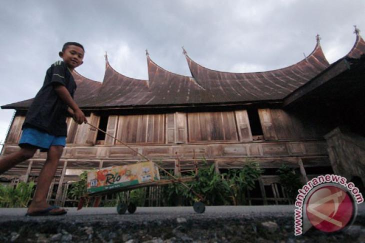 Seribu rumah gadang diupayakan jadi warisan dunia