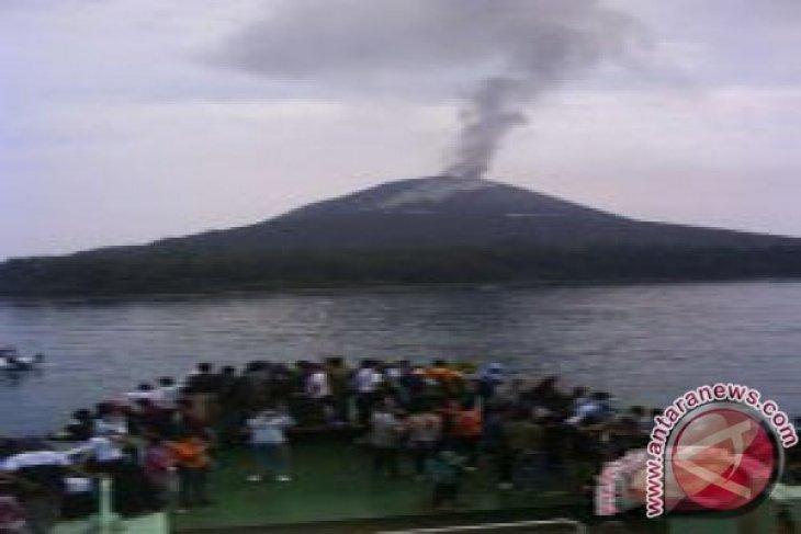 Gunung Anak Krakatau 13 kali kegempaan letusan