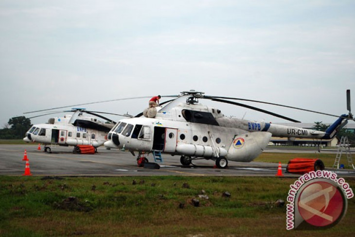 Satgas terbangkan empat helikopter atasi karhutla di Riau