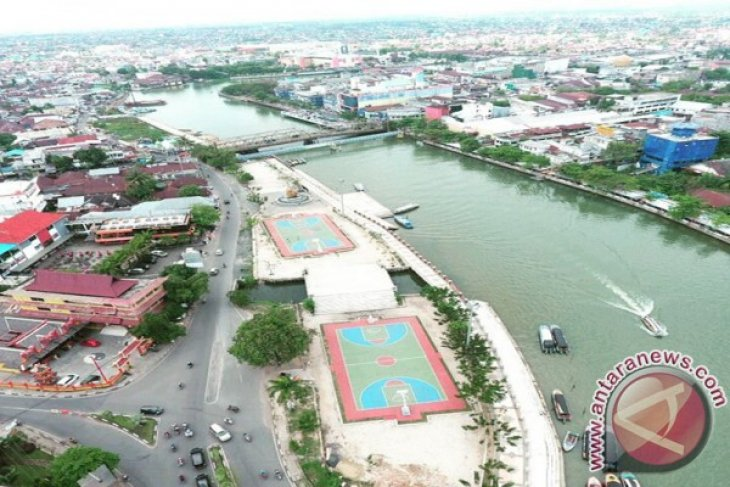 Martapura River suffers seawater intrusion