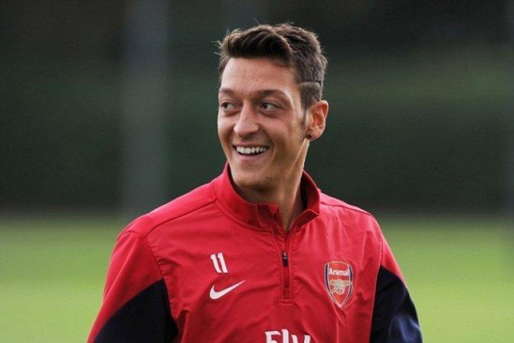 Arsenal bantai AC Milan 2-0 di Liga Champions Eropa