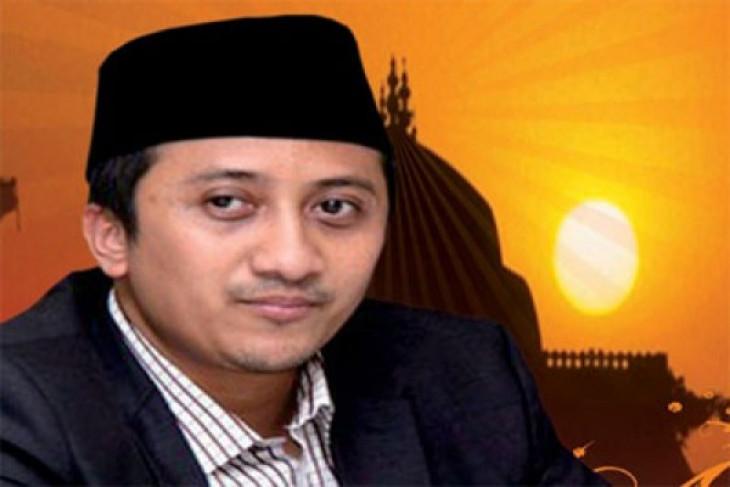 Berita kemarin, ustadz Yusuf Mansur dilaporkan ke polisi hingga gaji ke-13