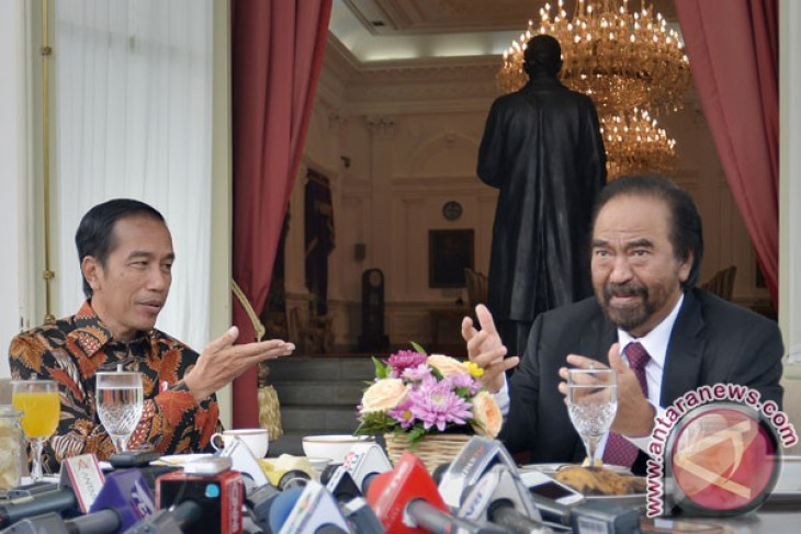 President Jokowi, Surya Paloh discuss issues of nationality
