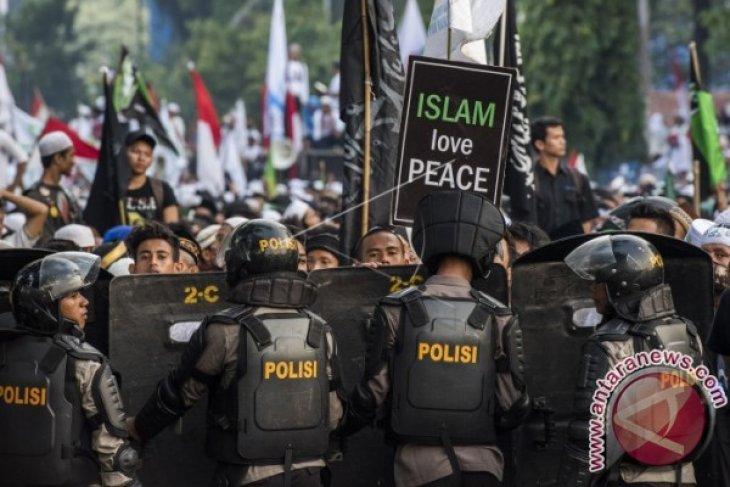 Potensi Radikalisme Terkait Kasus Ahok Dan Ancaman Kebhinekaan