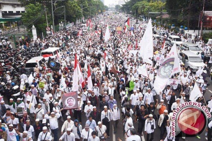 Anggota FPI Karawang Juga Dikerahkan Ke Jakarta