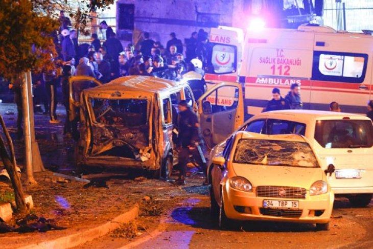 Serangan bom di Turki selatan hantam bus  polisi