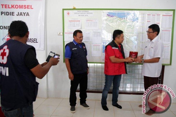 Pelanggan Telkomsel Bantu Korban Gempa