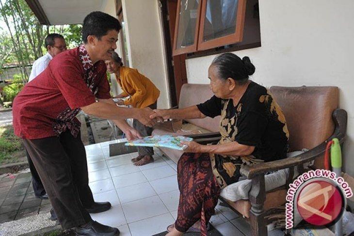 LKBN Antara Bali Kunjungi Panti Werda