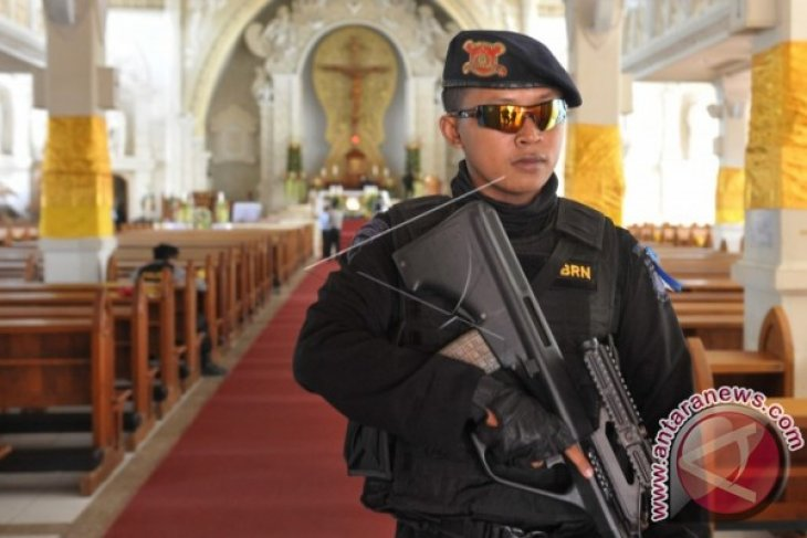 Police clear rumors of Christmas services banned in West Sumatra