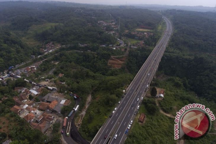 """UNY peringkat dua """"Bridge Design Competition"""" Singapura"""