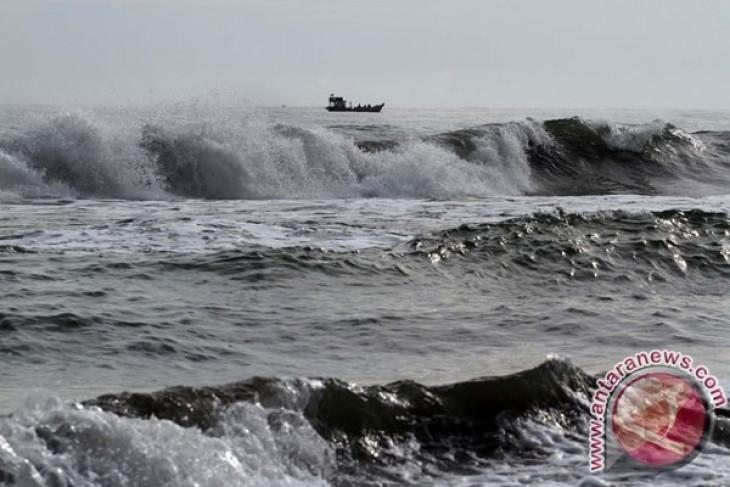BMKG Sultra ingatkan waspada berlibur di pantai