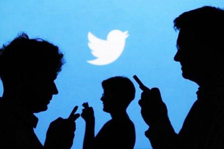 Sosial media sudah jadi bagian dari aktivitas masyarakat
