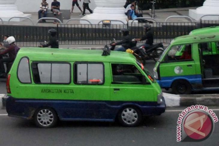 Angkot Bogor demo, pelajar terpaksa pulang jalan kaki