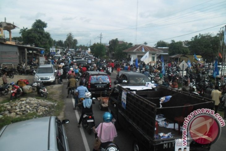 Massa banjiri kampanye Akmal Ibrahim-Muslizar