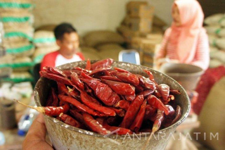 Pedagang: Penjualan Cabai Impor Naik 50 Persen