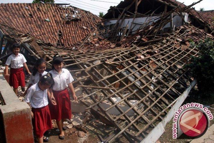 Legislator Desak Pemkab Prioritaskan Infrastruktur Sekolah