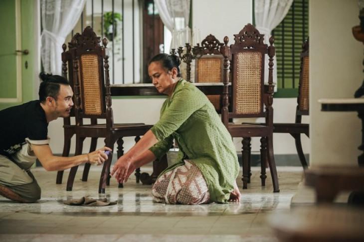 Christine Hakim menjelma jadi ibu Kartini di luar syuting