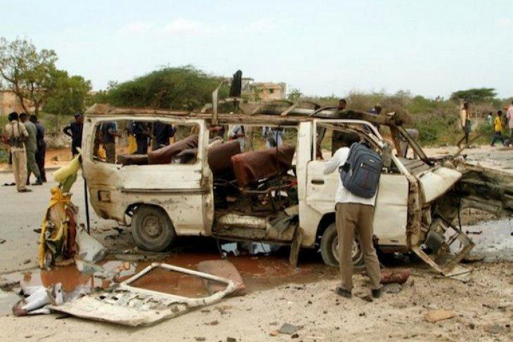 Bom bunuh diri di Somalia cederai tujuh tentara