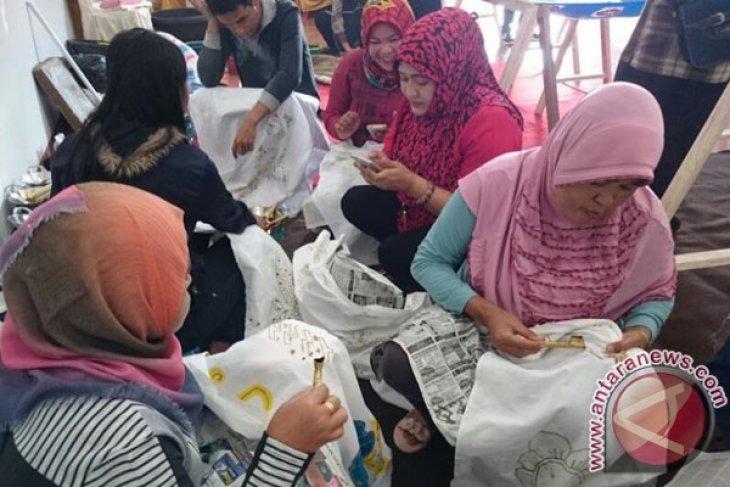 Pengrajin batik Kaganga butuh bantuan modal usaha
