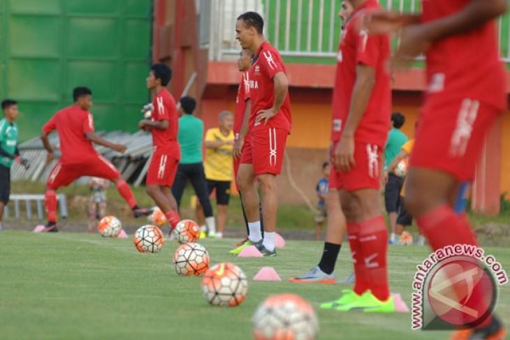 Klasemen sementara Liga 1, Madura United di puncak