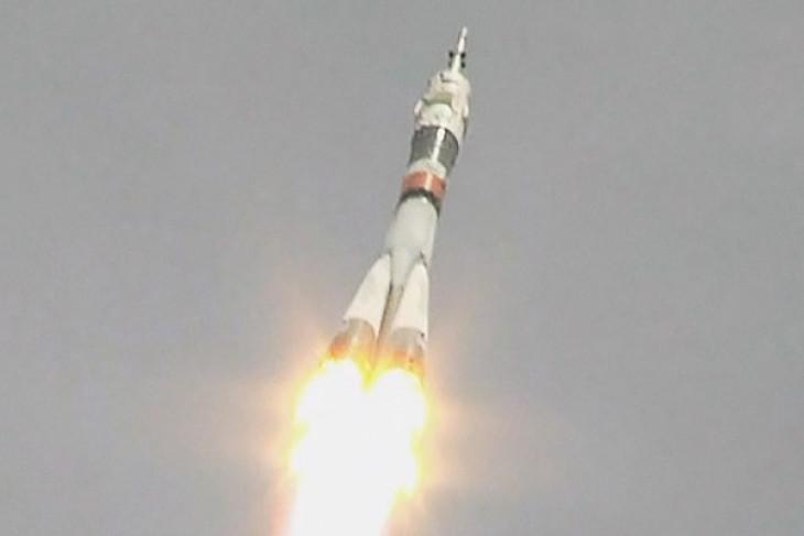Duo warga Rusia dan Amerika meluncur ke stasiun antariksa