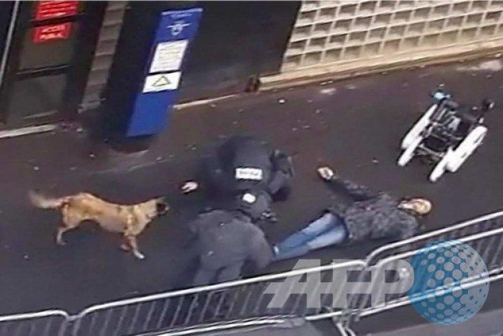 Menteri Belgia: pelaku penembakan Paris warga Prancis