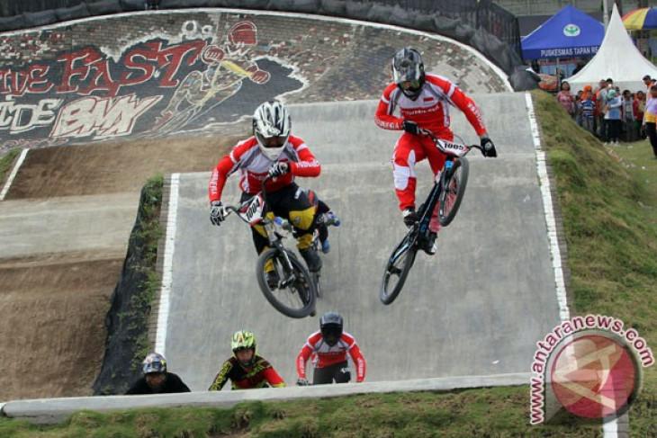 Dua pembalap BMX Indonesia ke final Asia