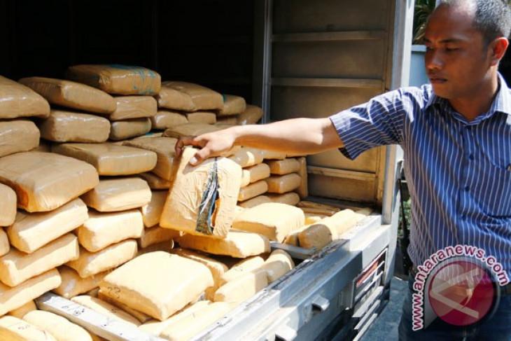 Polisi gagalkan pengiriman 1,3 ton ganja ke Jakarta